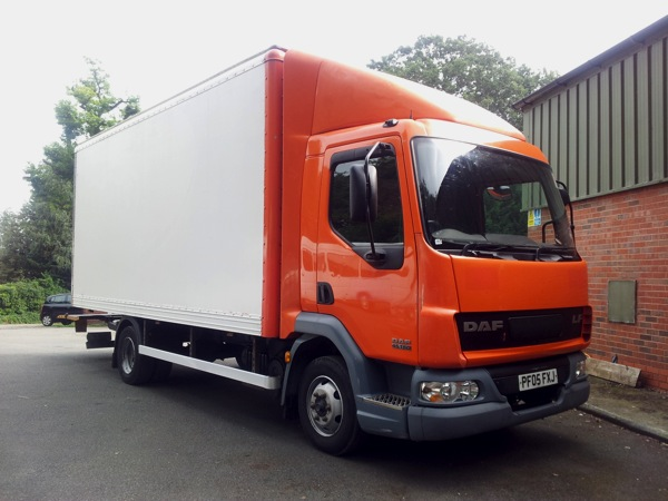 e17fa757bec782 Owen Bros Commercials Hereford - 7.5T Box Van With Tail-Lift